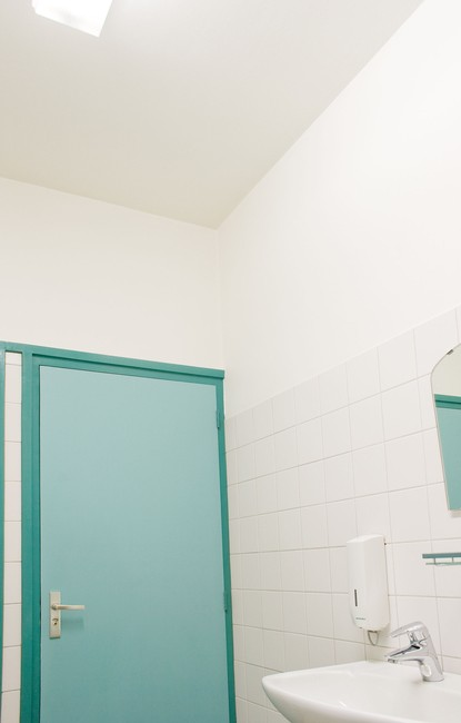Farba antykondensacyjna Rust Oleum 5090 do wilgotnych pomieszczeń kuchni łazienki