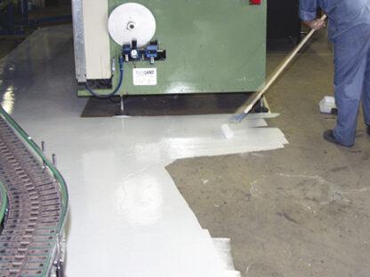 Farba do warsztatu 7100 Rust Oleum malowanie posadzki podłogi beton
