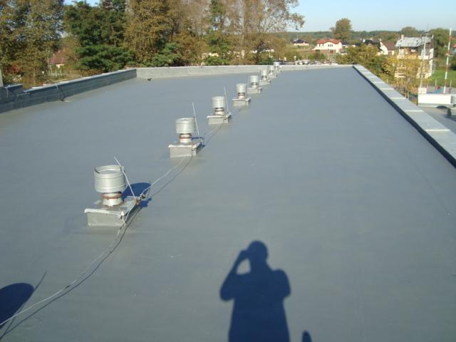 Jak naprawić cieknący dach