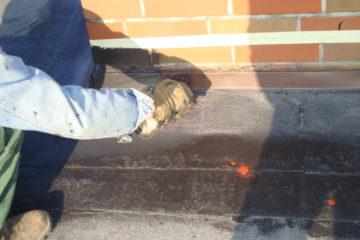 Farba do uszczelniania kominów środek preparat naprawa przecieku uszczelnienie obróbek muru ogniowego świetlika rynny rury klimatyzatora